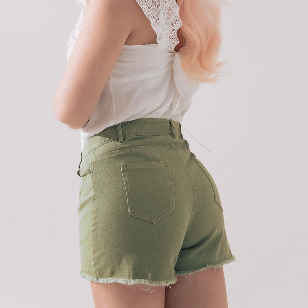 AIR SPACE PLUS 顯瘦美臀抽鬚短褲(綠)