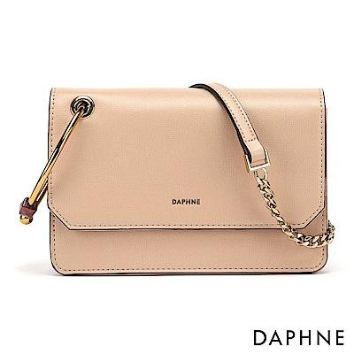 達芙妮DAPHNE-簡約金屬圓環鍊帶小方包-杏色