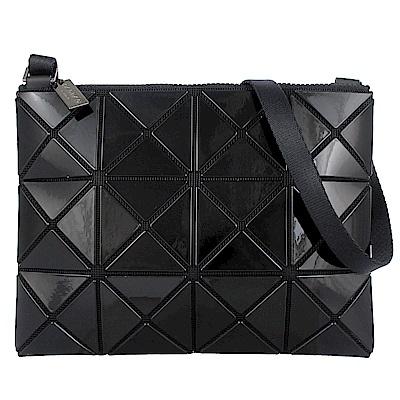 ISSEY MIYAKE 三宅一生BAOBAO三角方格3x4小型斜背包(黑)