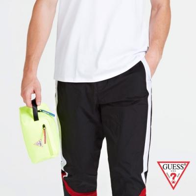 GUESS-男包-簡約素色尼龍手拿包,收納包-螢光黃 原價1290