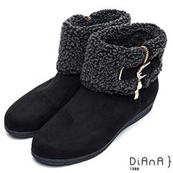 DIANA 俏麗有型--翻領羔羊毛皮帶鑽飾羊絨厚底短靴-黑