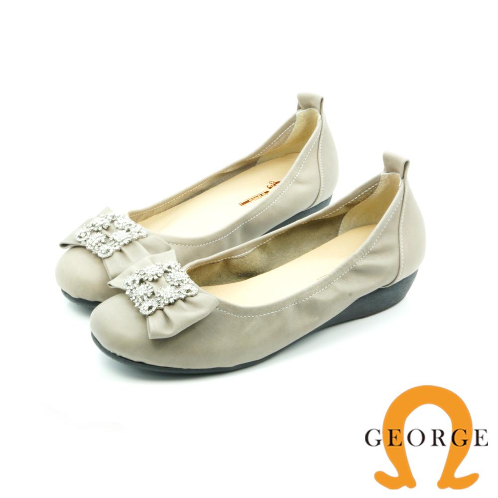 【GEORGE 喬治皮鞋】都會休閒 方形水鑽平底鞋娃娃鞋-杏
