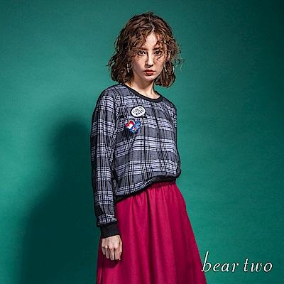 beartwo 英倫風格紋刺繡拼布短版造型上衣(二色)