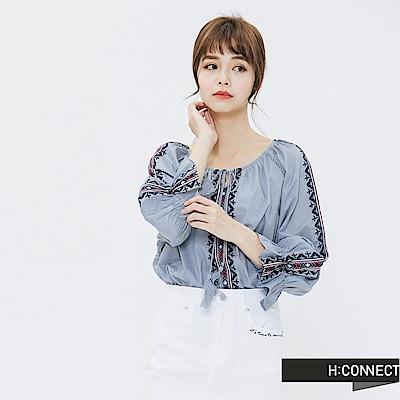 H:CONNECT 韓國品牌 女裝-甜美刺繡造型上衣-藍