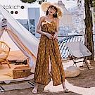 東京著衣  渡假女神細肩帶後交叉縮腰連身寬褲(共兩色)