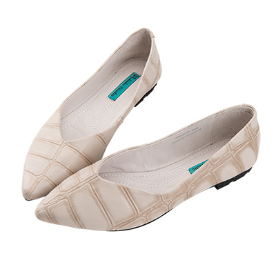 Robinlo 經典鱷魚紋軟羊皮尖頭平底鞋 米白