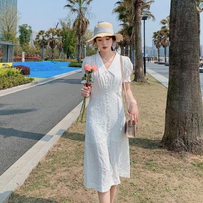 清新白色刺繡花紋翻領開衩洋裝-S-XL-Dorri