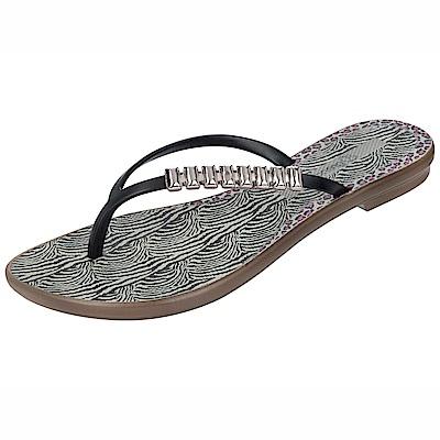 GRENDHA 現代風金屬裝飾夾腳鞋-黑色