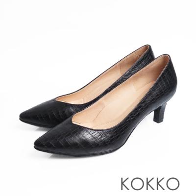 KOKKO - 優雅尖頭鱷魚壓紋羊皮粗跟鞋 - 經典黑