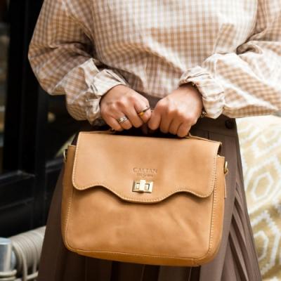 CALTAN-甜美風 輕巧波浪開口 兩用斜背 手提包-5223ht