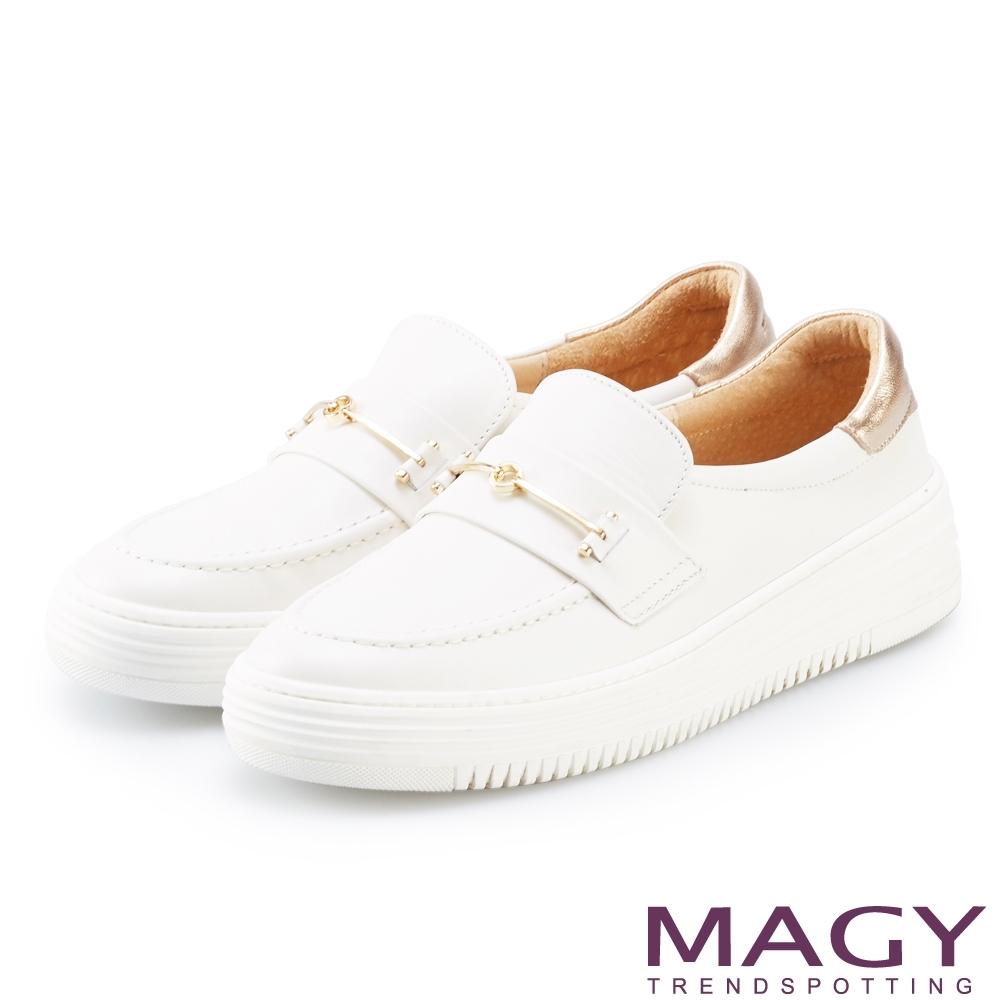 MAGY 雙皮革金屬飾條厚底 女 休閒鞋 白色