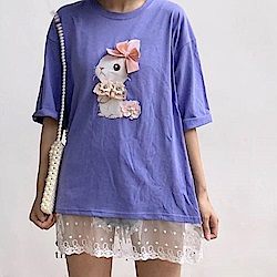 La Belleza立體蝴蝶結花朵兔子圖印下擺拼接蕾絲長版T恤