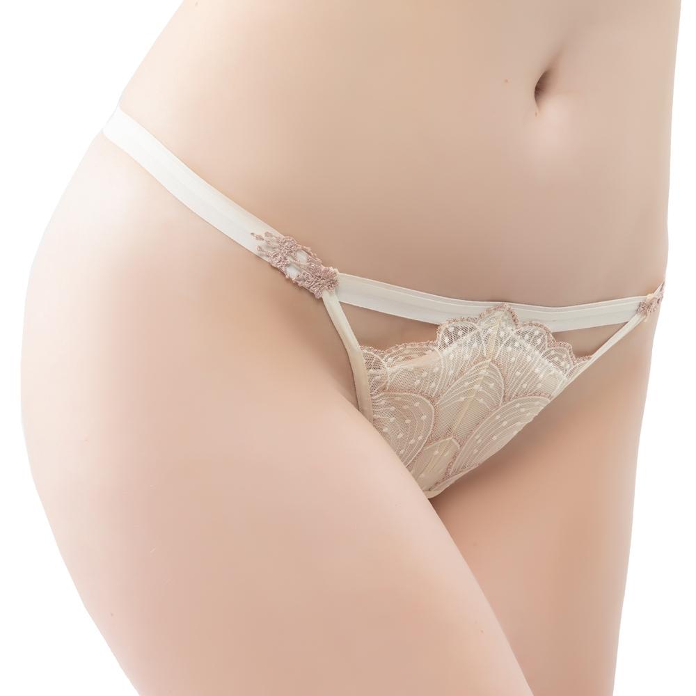 思薇爾 流金巴洛克系列M-XL蕾絲低腰丁字褲(奶香黃)