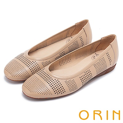 ORIN 微甜女孩 趣味圓形沖孔牛皮平底娃娃鞋-棕色