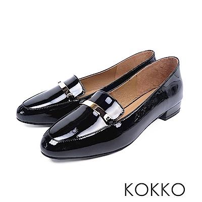 KOKKO - 輕盈休閒方頭彎折真皮平底鞋-漆皮黑