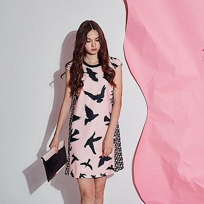 Chaber巧帛 獨家開版印花時尚蝴蝶印花造型洋裝-粉
