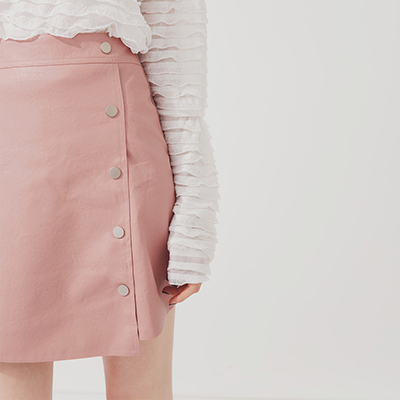 AIR SPACE 休閒排釦設計皮裙(粉紅)