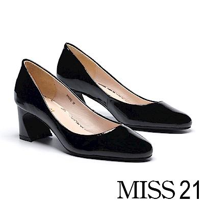 高跟鞋 MISS 21 極簡主義純色百搭皺漆皮馬蹄高跟鞋-黑
