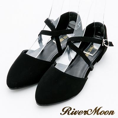 River&Moon大尺碼-優雅品味 交叉繫帶扣環尖頭平底鞋-名媛黑