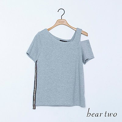 beartwo 不規則斜肩帶側邊配條造型上衣(二色)
