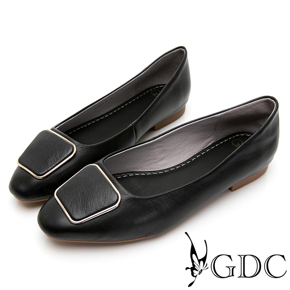 GDC-文青小姐素色基本歐風方釦平底包鞋-黑色