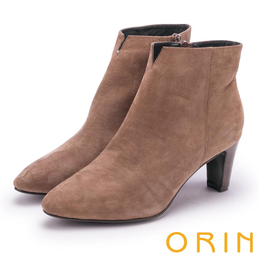 ORIN 經典儁永 素面牛磨皮粗跟短靴-棕色