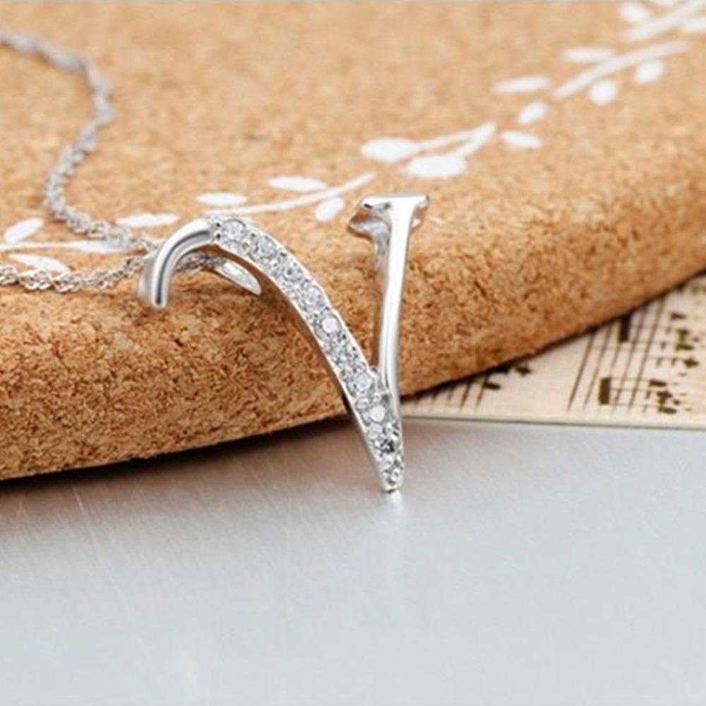 米蘭精品 925純銀項鍊-時尚簡約V英文字母