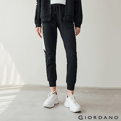 GIORDANO 女裝G-MOTION側邊字母運動束口褲-11 標誌黑