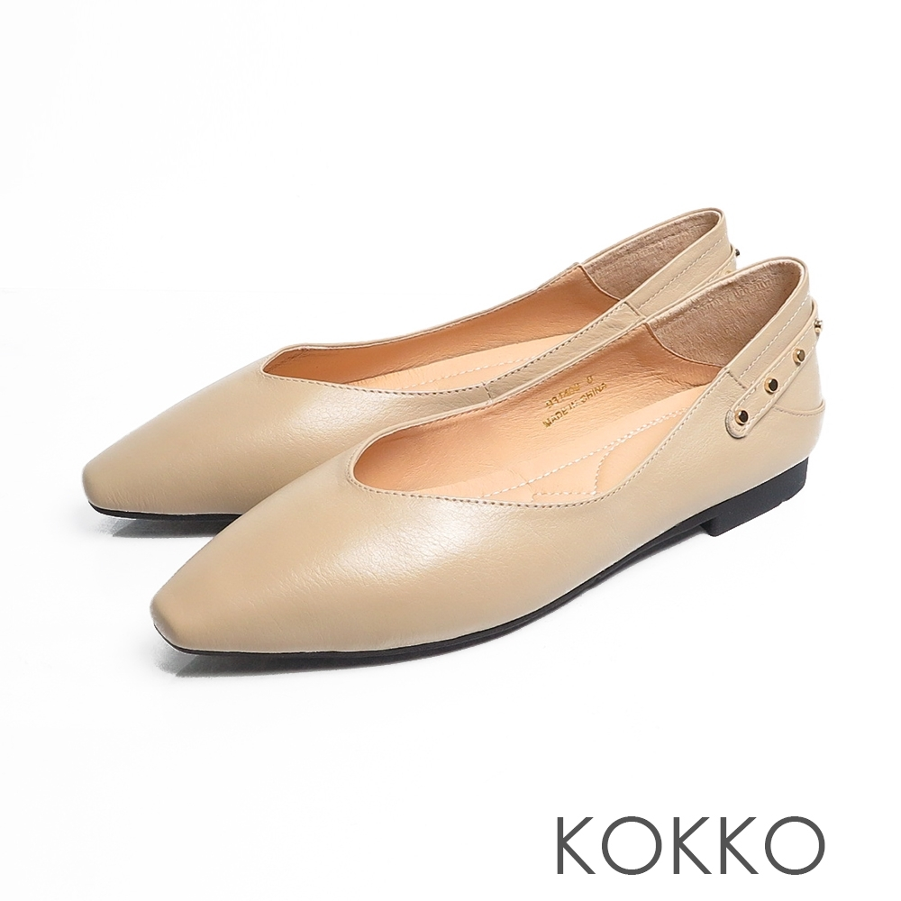 KOKKO - 時髦方頭彈力彎折平底鞋-裸米色