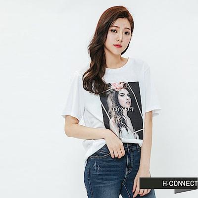H:CONNECT 韓國品牌 女裝-幾何人像圖印T-shirt-白