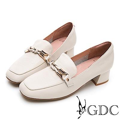 GDC-歐美時尚潮流真皮金鍊方頭樂福粗跟鞋-米色