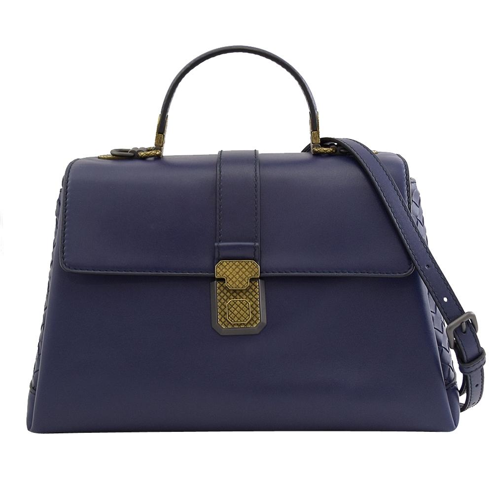 BOTTEGA VENETA 素色羊皮編織寬背帶翻蓋兩用手提包(藍紫)
