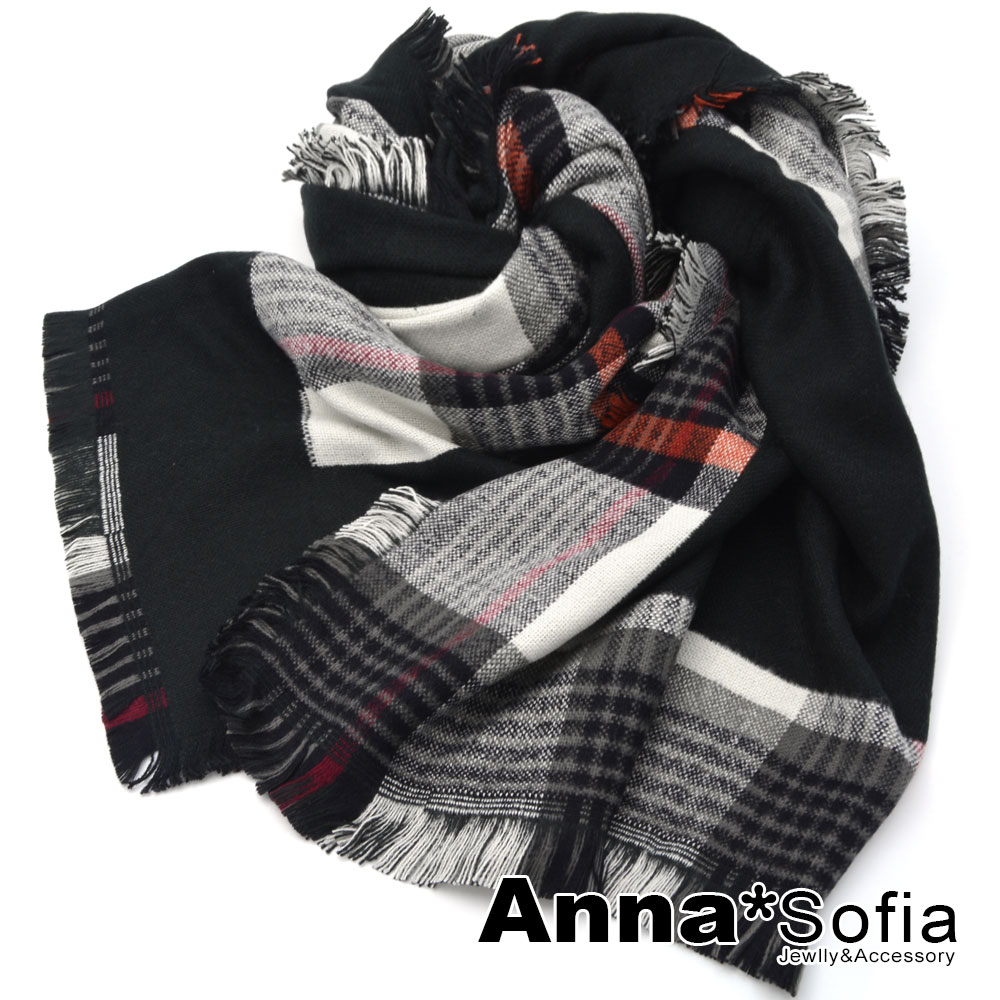 AnnaSofia 街頭英倫格紋 毛邊保暖披肩圍巾(黑系)