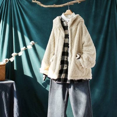 毛茸茸的素色連帽羊羔毛外套寬鬆加厚保暖上衣-設計所在