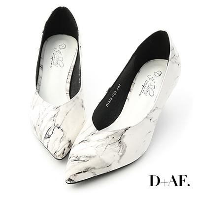 D AF 質感升級.大理石紋尖頭V口跟鞋*白