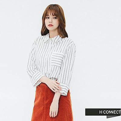 H:CONNECT 韓國品牌 女裝-單口袋細條紋襯衫-藍
