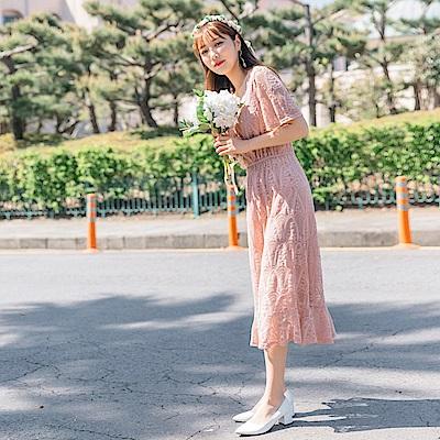 婚禮系列~純色蕾絲雕花腰鬆緊拼接荷葉裙襬洋裝-OB大尺碼