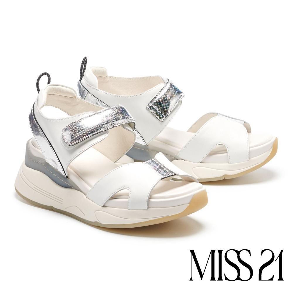 涼鞋 MISS 21 率性潮感真皮雙寬帶魔鬼氈設計厚底涼鞋-白