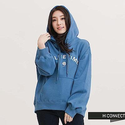 H:CONNECT 韓國品牌 女裝-電繡字母落肩棉帽T-藍(快)