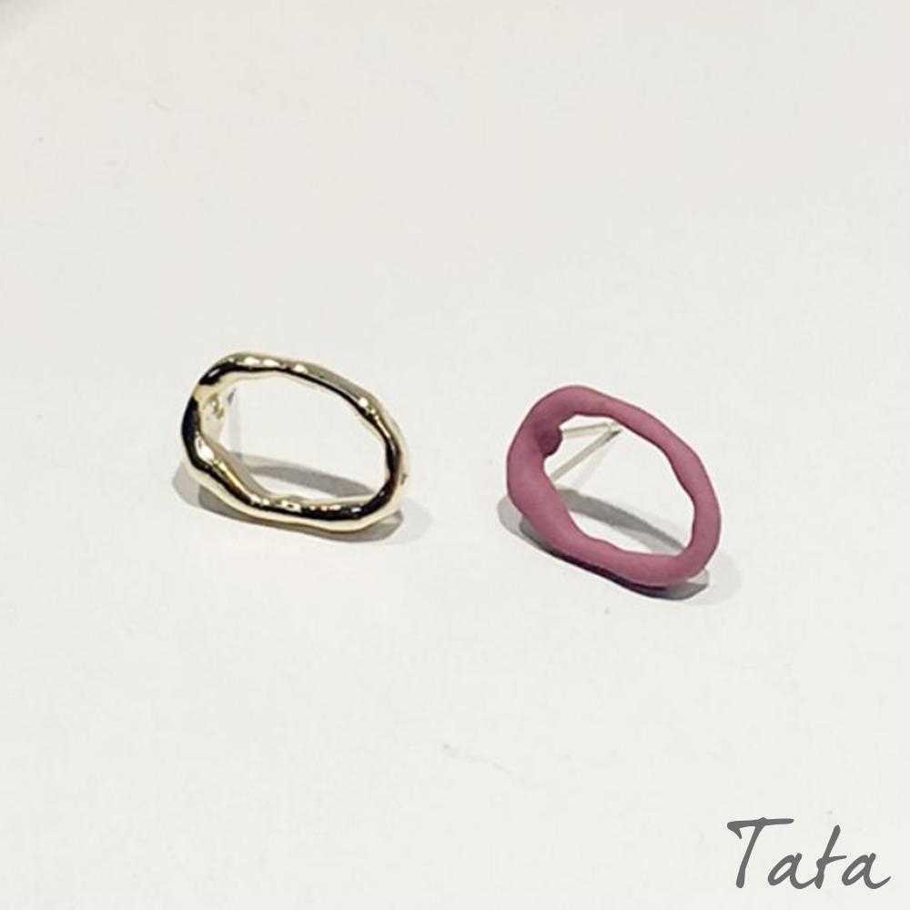 不對稱鏤空金屬耳環 共二色 TATA