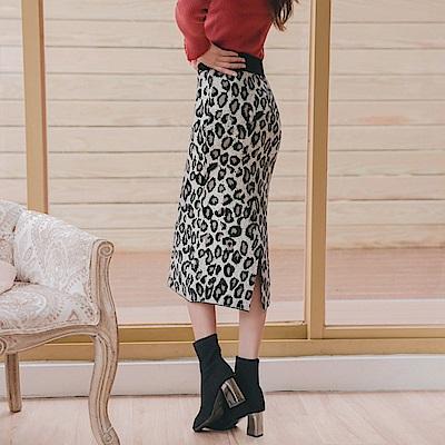 溫暖厚針織滿版豹紋後開衩中長裙-OB大尺碼