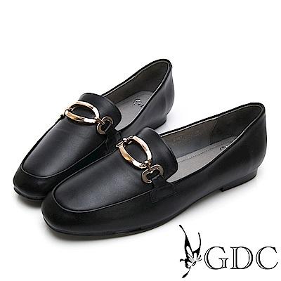 GDC-真皮方頭金釦氣質上班樂福跟鞋-黑色