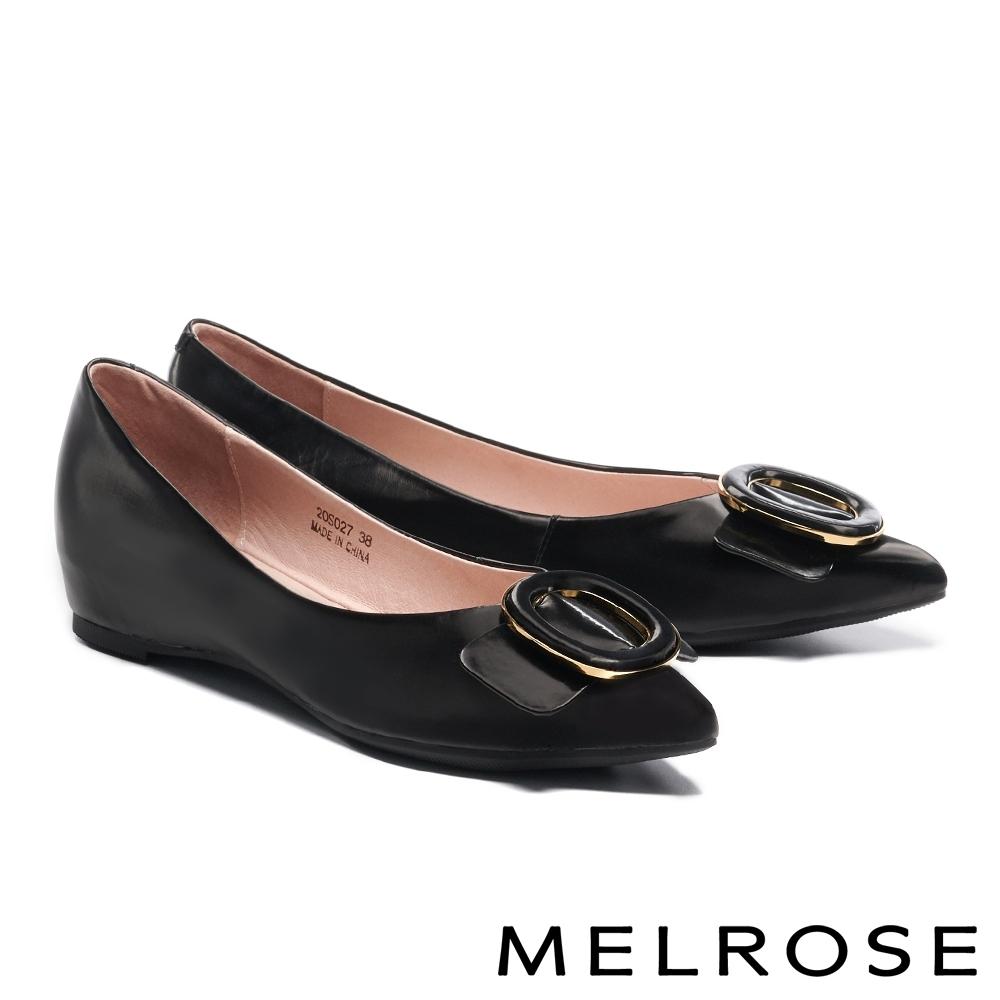 低跟鞋 MELROSE 俐落質感金屬圓釦造型全真皮內增高尖頭低跟鞋-黑
