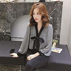 IMStyle 韓版V領蝴蝶結格子燈籠袖雪紡襯衫(灰色)