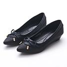 A one  尖頭亮粉拼接蜥蝪紋蝴蝶結小坡跟鞋-黑色