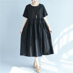 素雅簡約純色黑五分袖寬鬆洋裝M-2XL-Keer