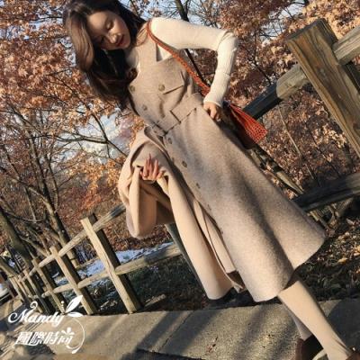 Mandy國際時尚 兩件套組 秋 針織上衣+毛呢繫帶吊帶裙 【韓國服飾】