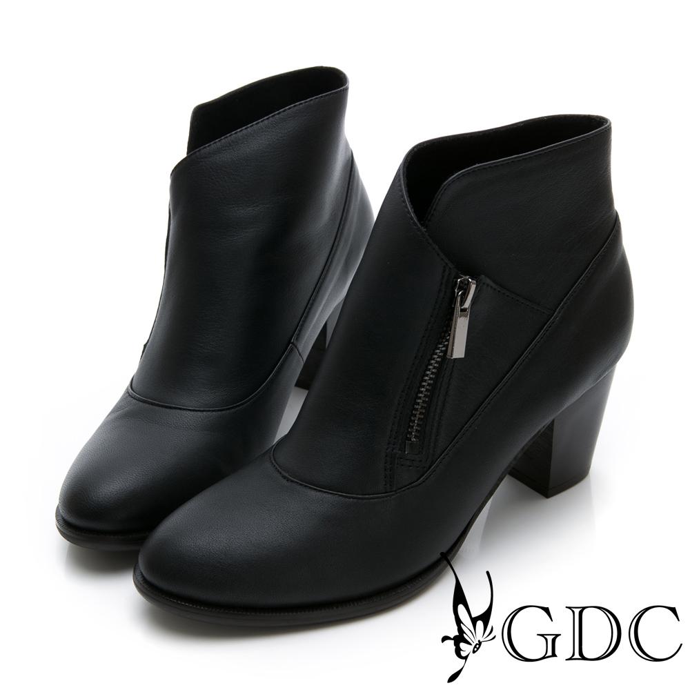GDC-真皮設計感歐美風側拉鍊短踝靴-黑色