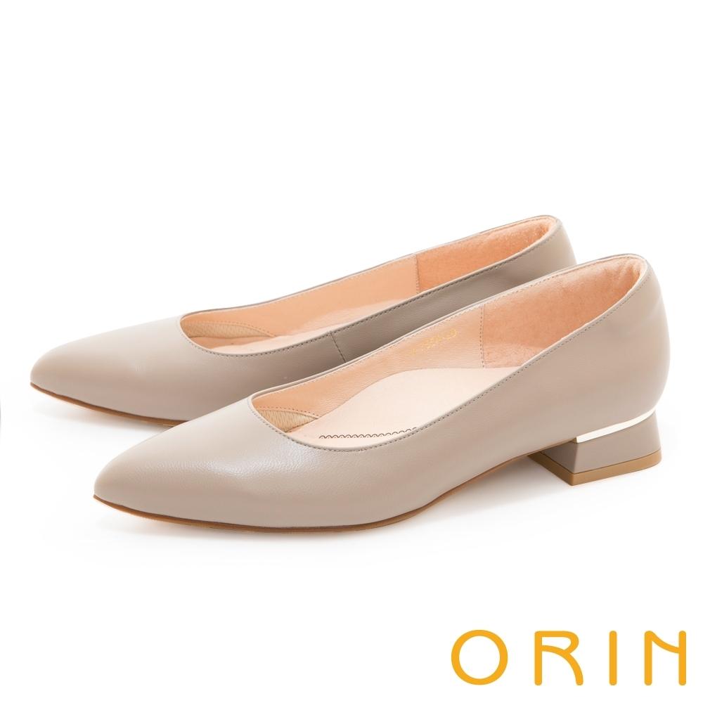 ORIN 金屬條飾真皮尖頭 女 低跟鞋 可可