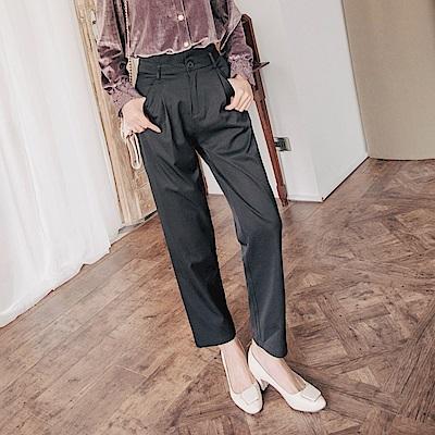 純色高腰打褶造型修身直筒長褲-OB大尺碼